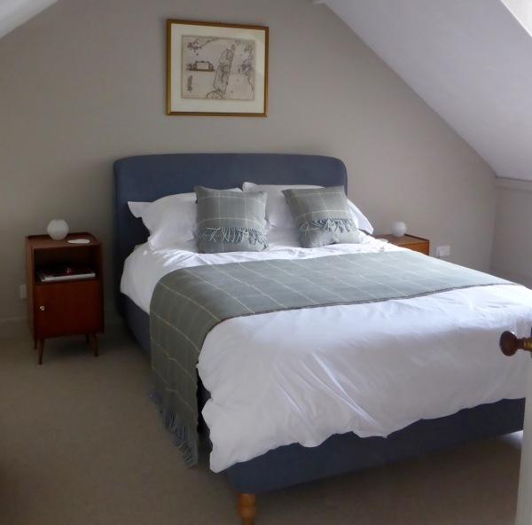 flora bedroom 1